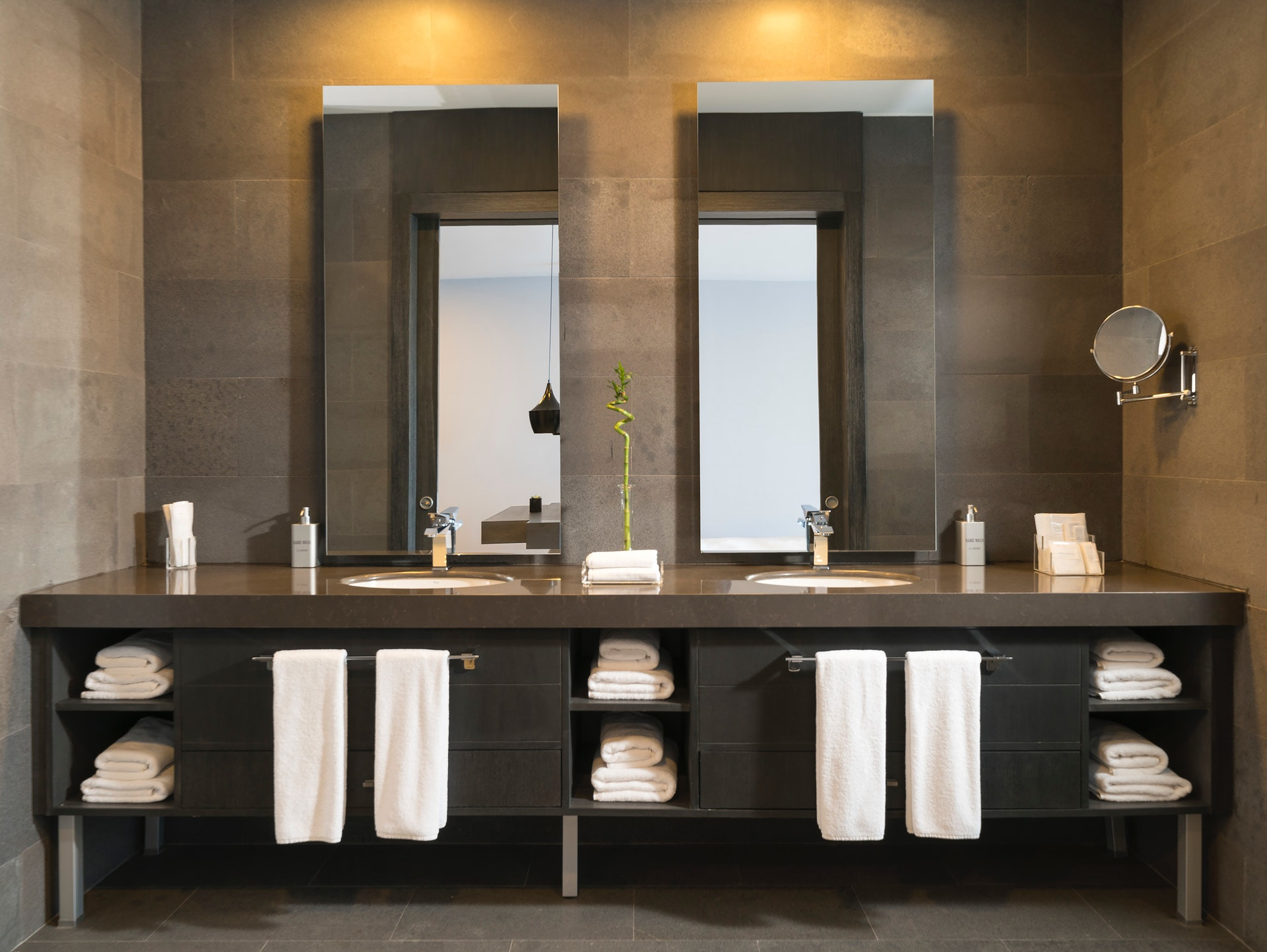 Creating the Best Small Bathroom Cabinet Design